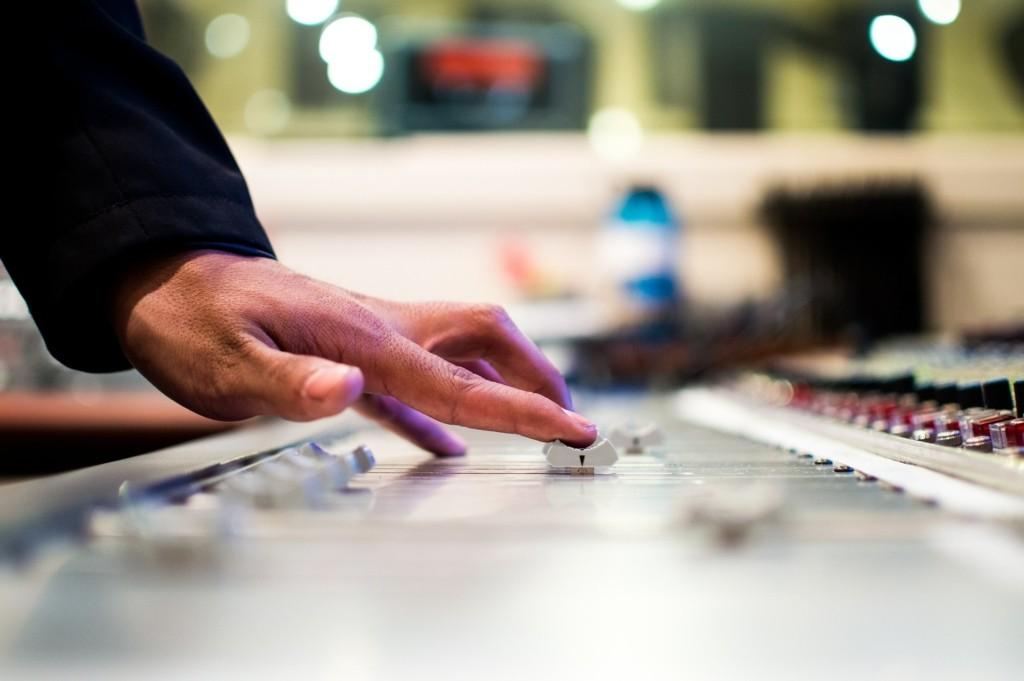 DJ Controller Musik Mixen