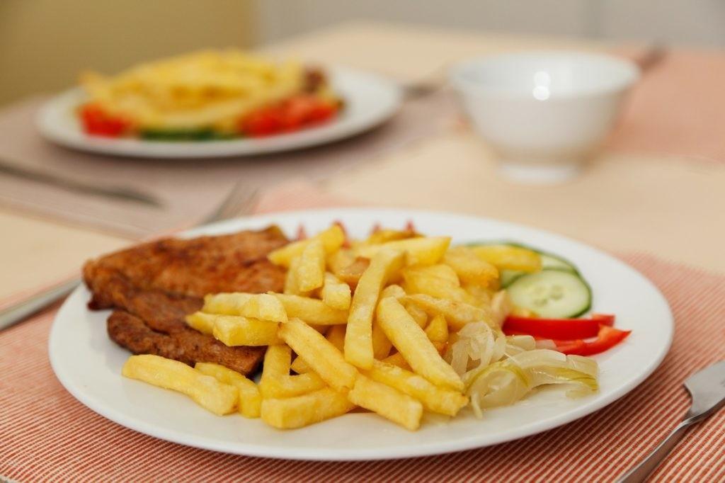 Pommes-Schnitzel