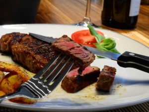 Steakbesteck Fleisch muehelos schneiden