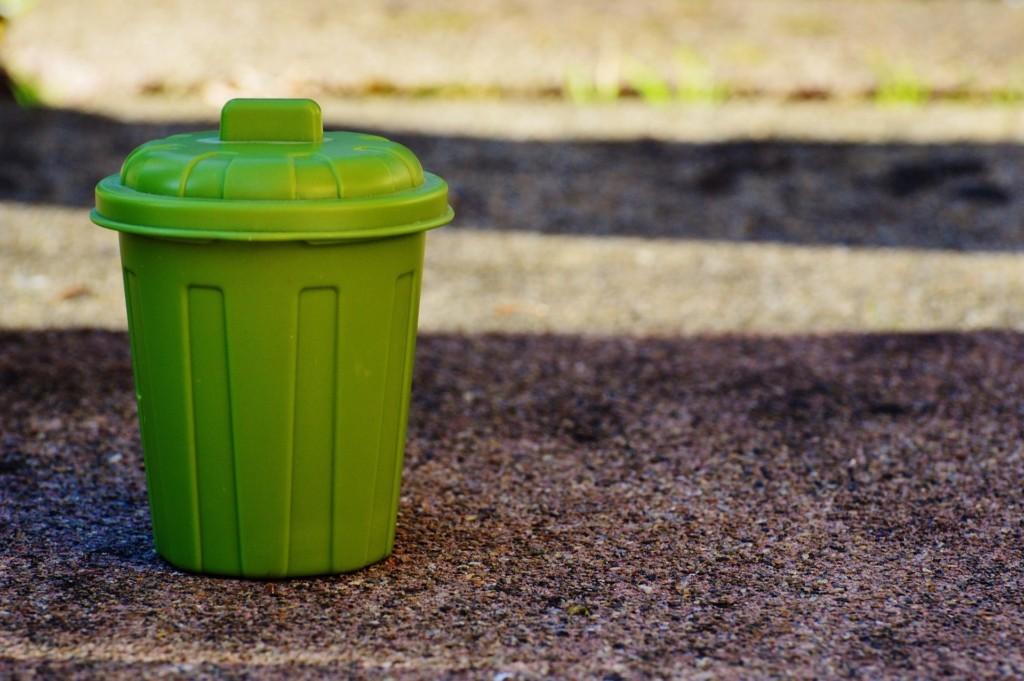 Grüner Mülleimer