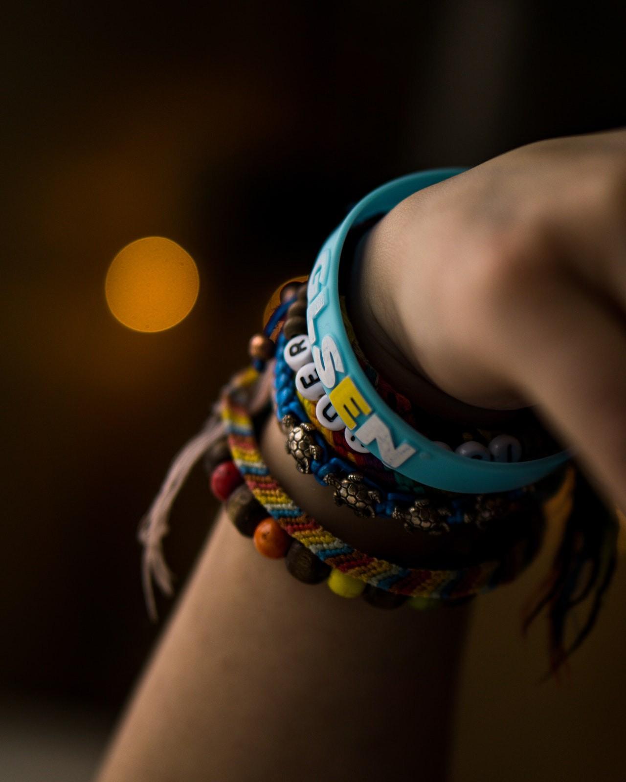 Auch normale Armbänder sehen gut aus