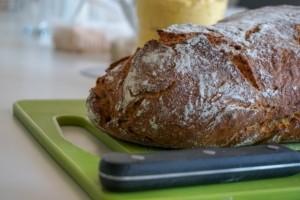 Brotmesser Form und Material