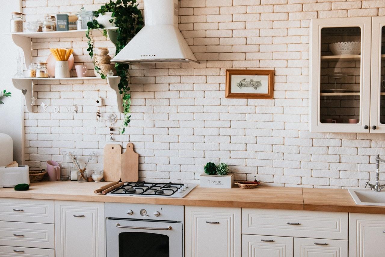 Ein Gasherd in einer Küche
