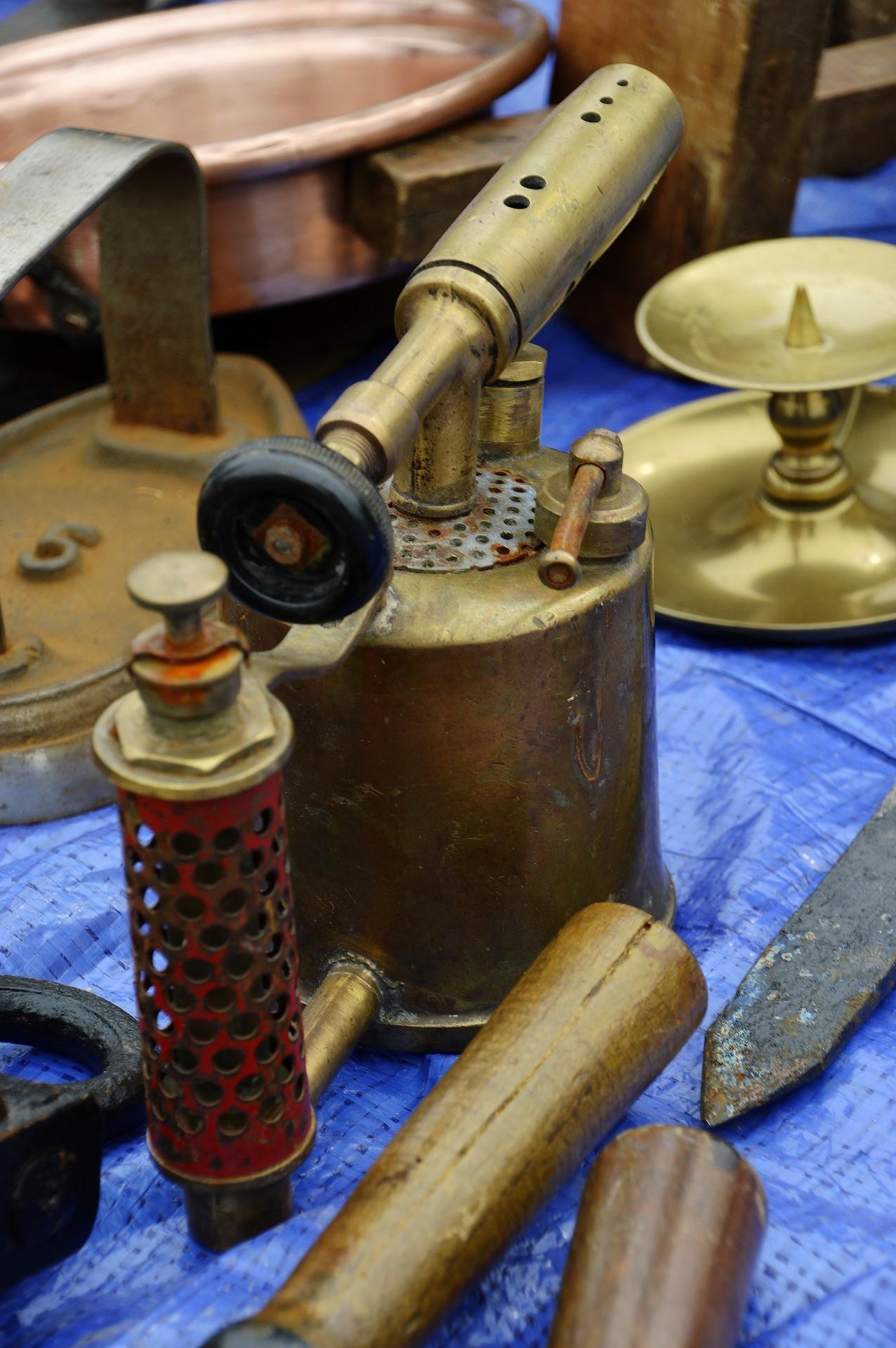 Moderne Flambierbrenner sind im Grunde nichts anderes als Bunsenbrenner