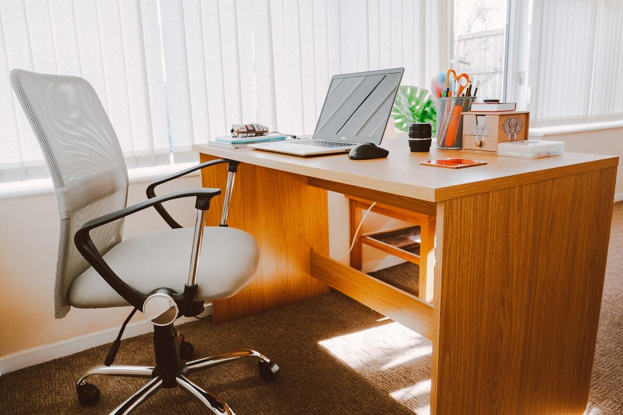 Herkömmlicher Bürostuhl