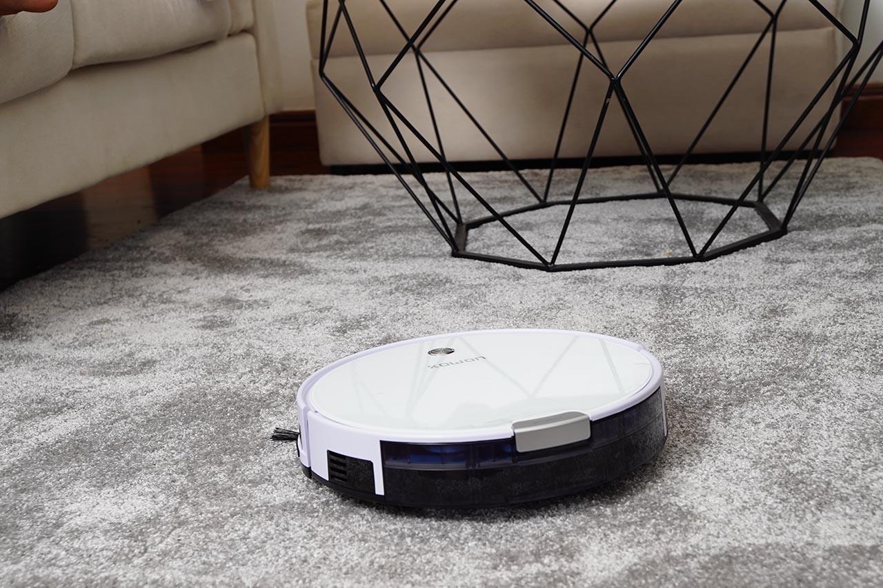 Staubsauger Roboter sind äußerst praktisch und sparen viel Zeit.