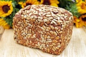 Brotkasten so haelt Brot am laengsten frisch