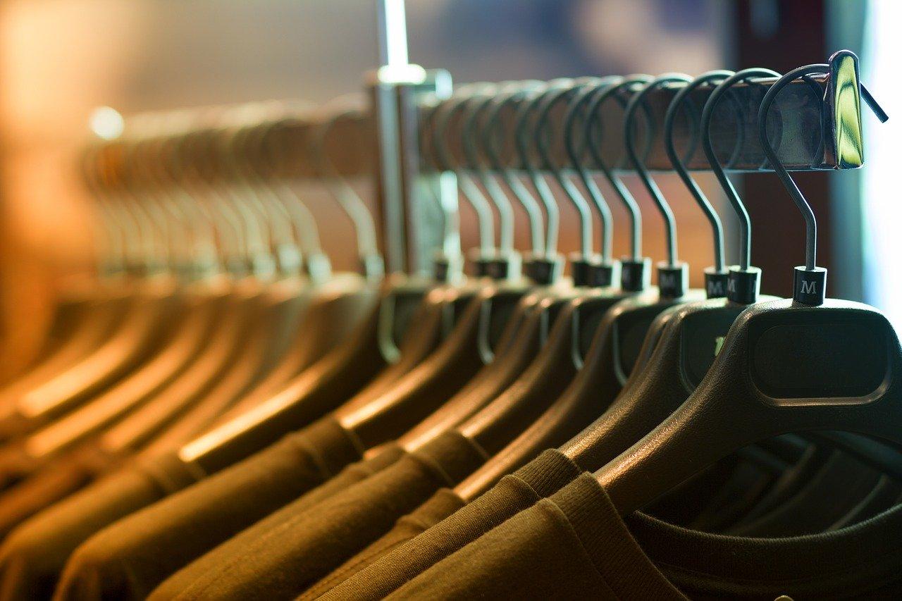 Ein Herrendiener ist manchmal besserer geeignet als ein Kleiderständer.