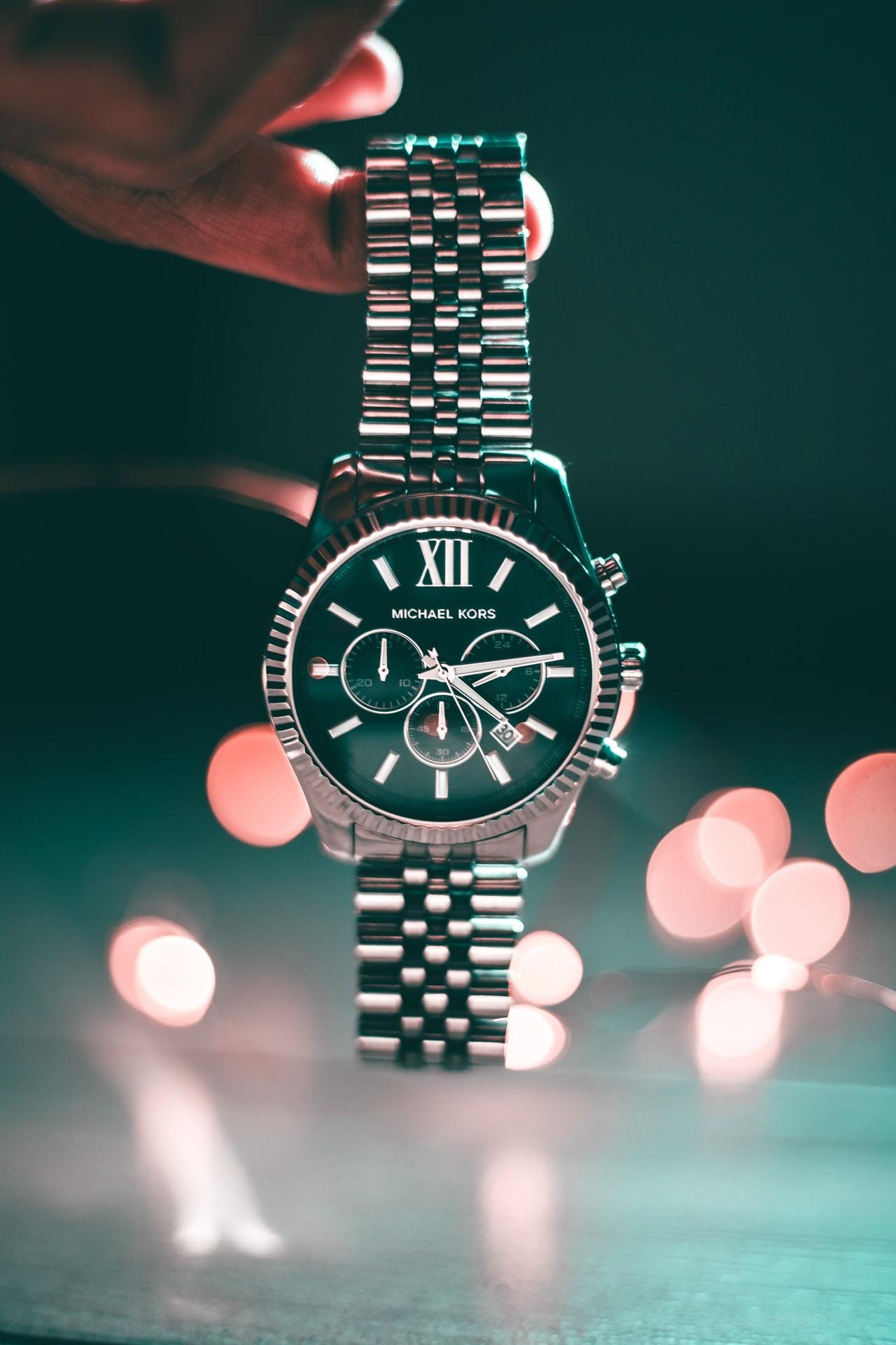 Schöne Uhren haben es verdient, sicher in einer Uhrenbox aufbewahrt werden.