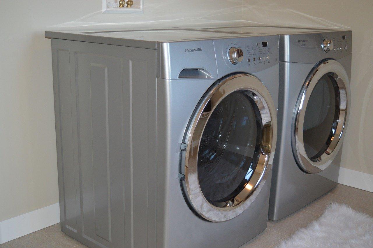 Ablufttrockner machen besonders bei Großhaushalten mit viel Wäsche Sinn.