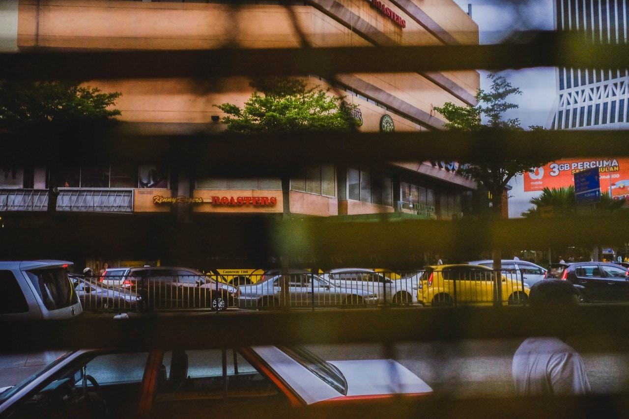 Durch den Sichtschutz von Doppelrollos, eignen sie sich perfekt für Fenster an der Straßenseite.