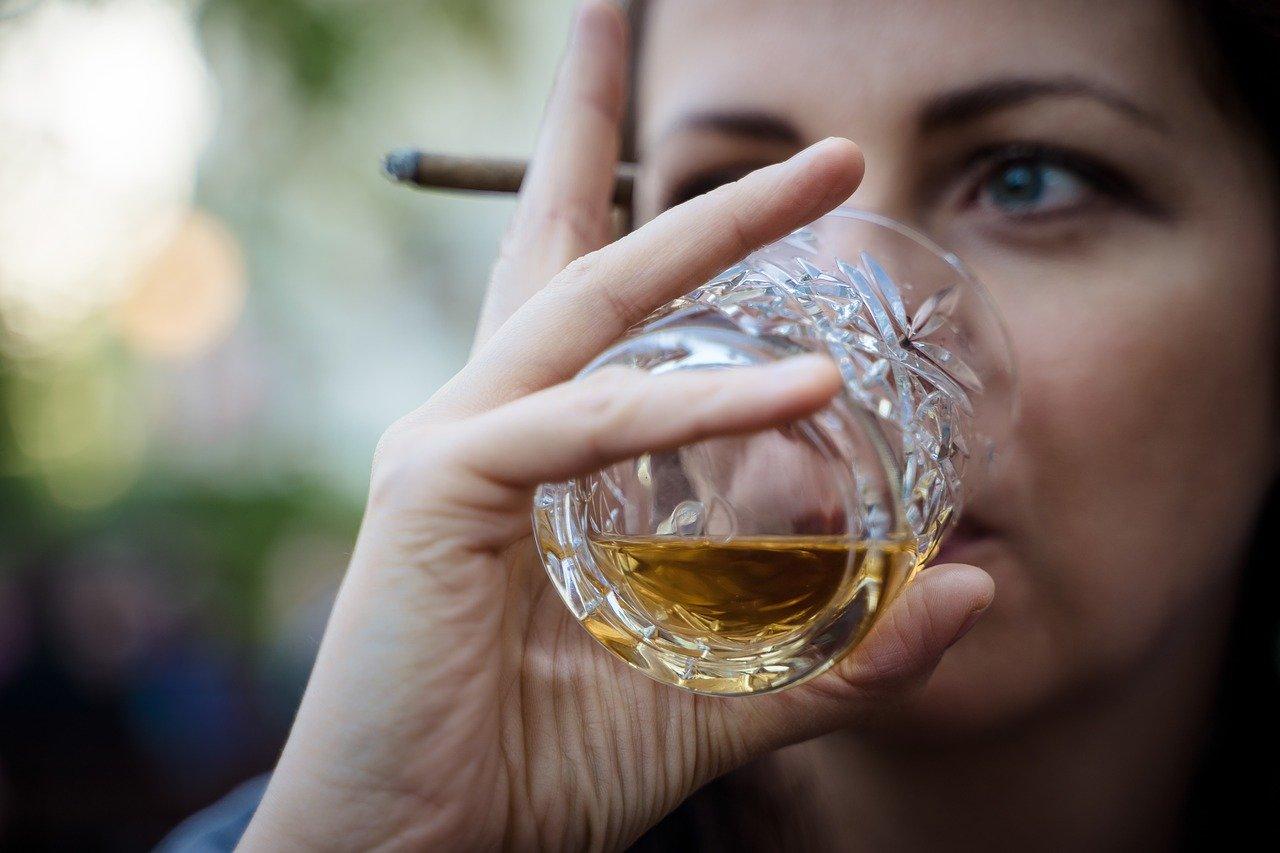 Whisky Steine sorgen dafür, dass der Whisky gekühlt und zugleich genießbar bleibt.