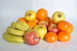 Zerkleinerer Obst für Salat oder Smoothies schneiden