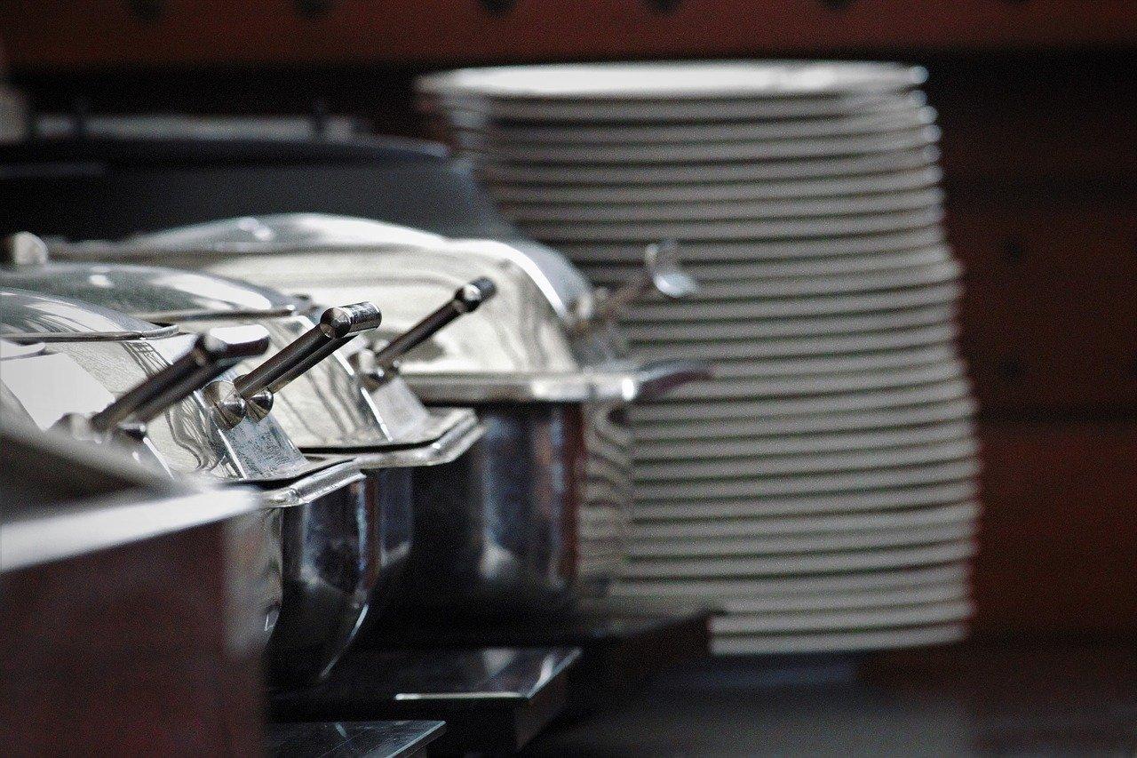 Brennpasten werden häufig von Catering Services benutzt, um Gerichte sicher und zuverlässig auf Temperatur zu halten.