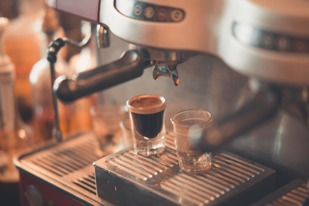 Mit einem De Longhi Kaffeevollautomat lassen sich viele unterschiedliche Kaffeesorten zubereiten.