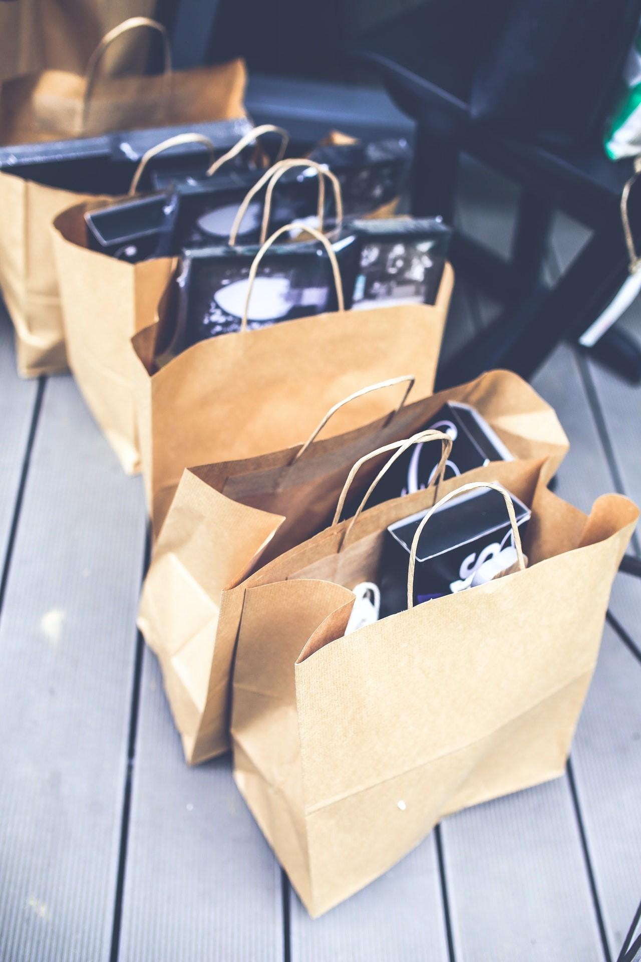 Der Einsatz von Einkaufstrollys schont auch die Umwelt, weil Du keine Tüten mehr brauchst.