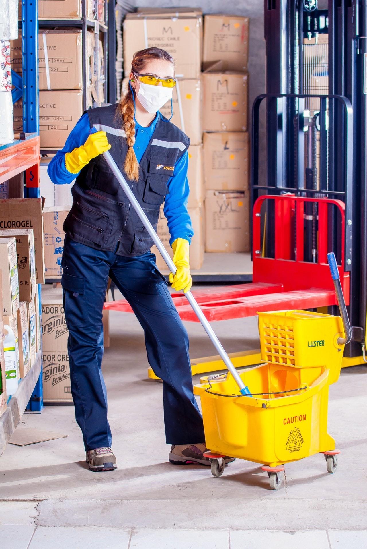 Auch professionelle Reinigungskräfte schwören auf einen guten Wischmopp.