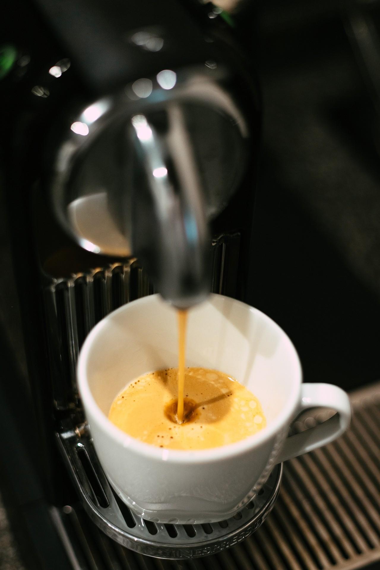 Kaffee aus Nespresso Kapseln ist nur einfach und schnell zubereitet, sondern er schmeckt auch besonders gut.