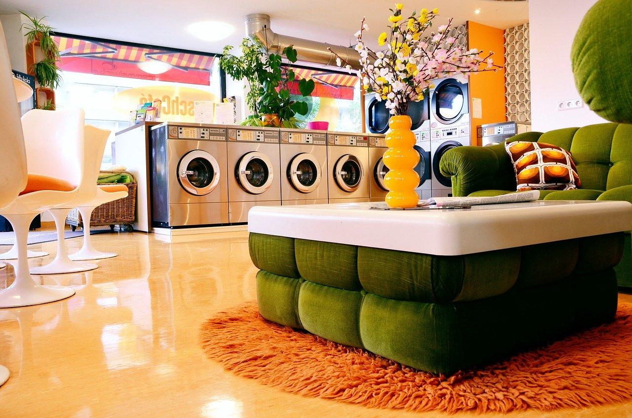 Mit einer Mini Waschmaschine sparst Du dir das Geld für den Waschsalon.