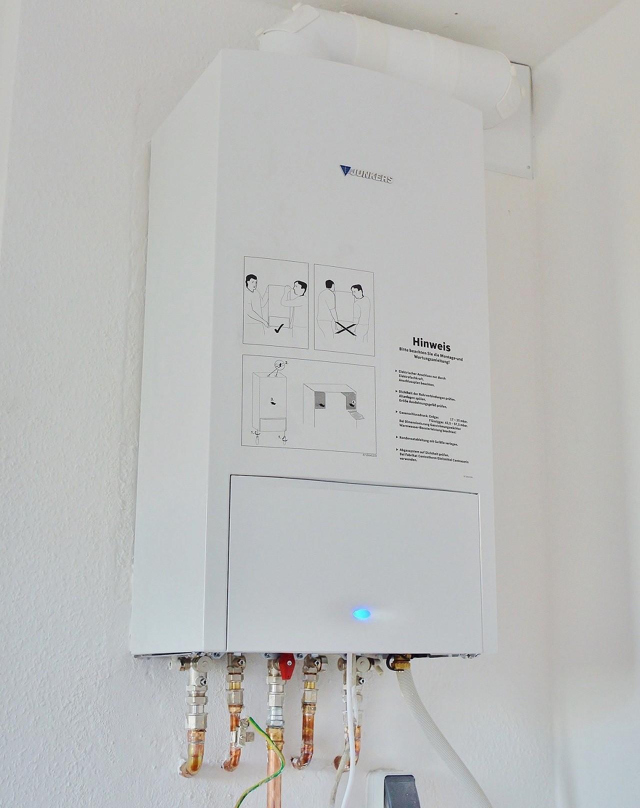 Ein Elektrischer Durchlauferhitzer ist im Betrieb natürlich teurer als ein solcher Gas-Durchlauferhitzer.