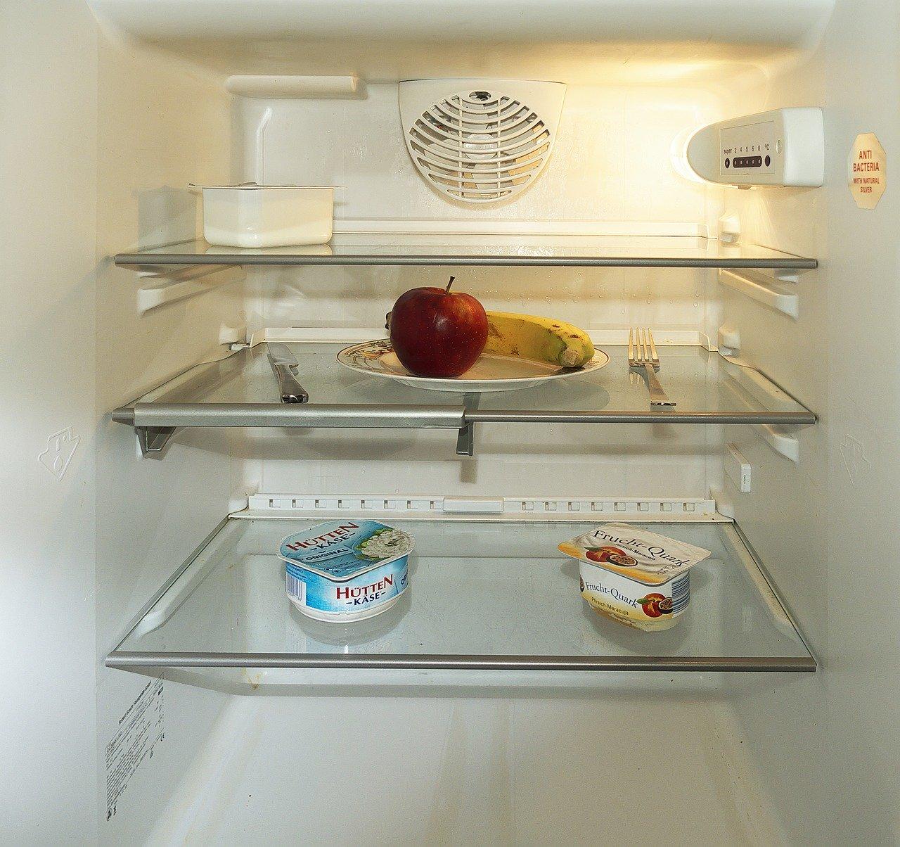 Achte bei der Auswahl eines Absorber Kühlschrankes nicht nur auf die Liter-Angabe, sondern auch auf die Tiefe. Schließlich sollen auch mal Töpfe dort hinein passen.