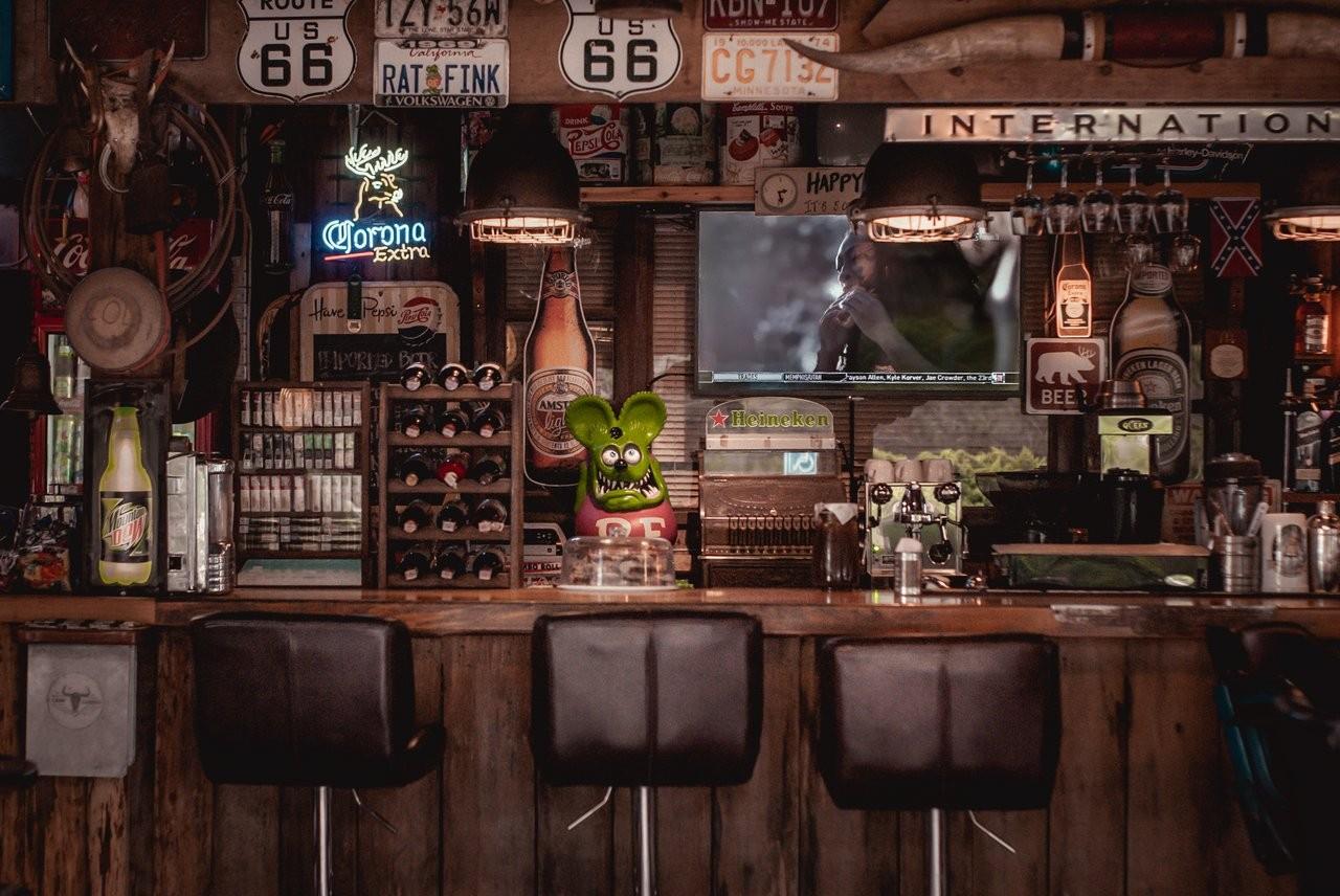 Ein Bar Butler gehört in jede gute Bar
