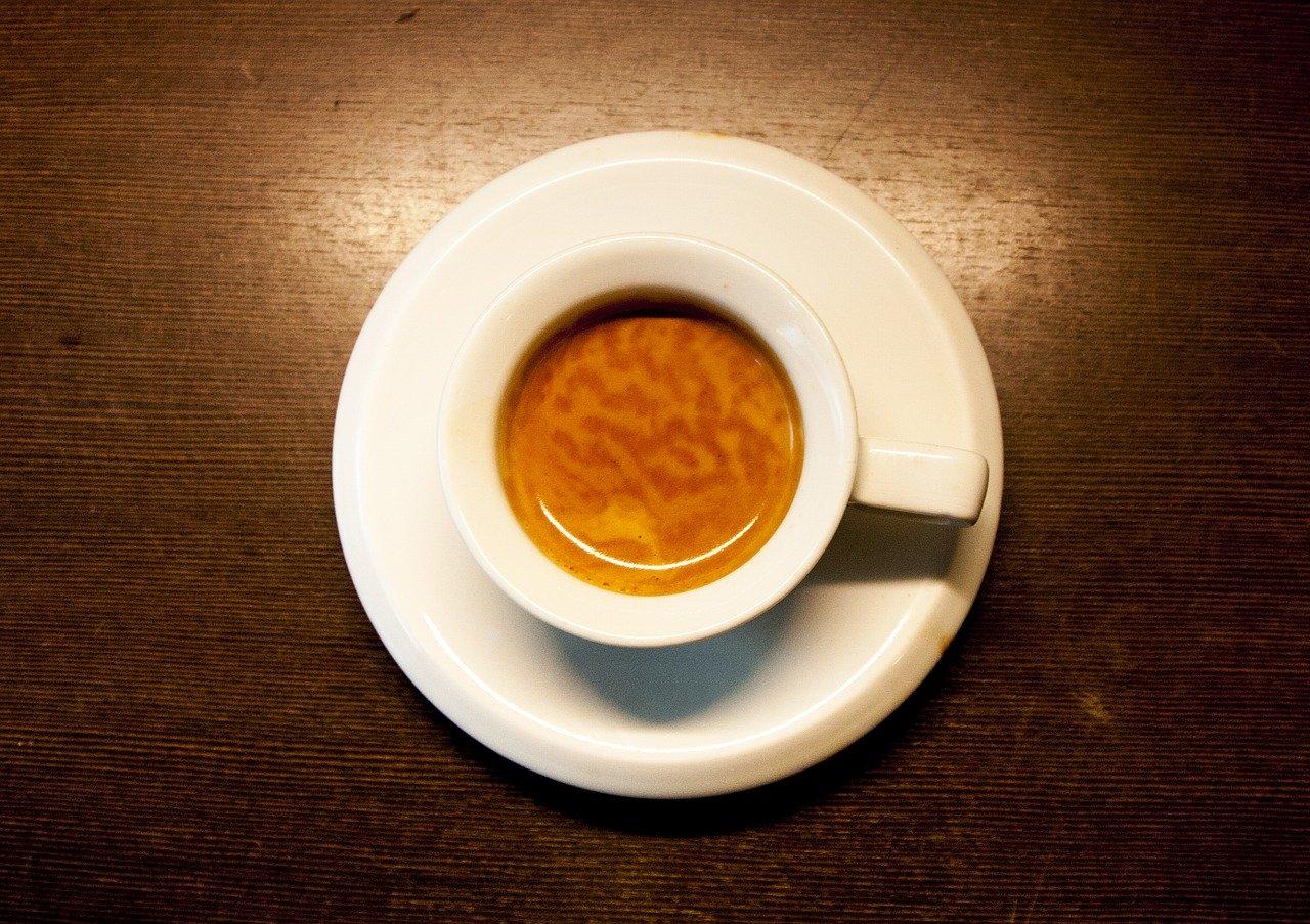 Mit einer Melitta Caffeo Barista Kaffeemaschine bereitest Du Dir ganz einfach selbst unterschiedliche Kaffee-Kreationen zu.