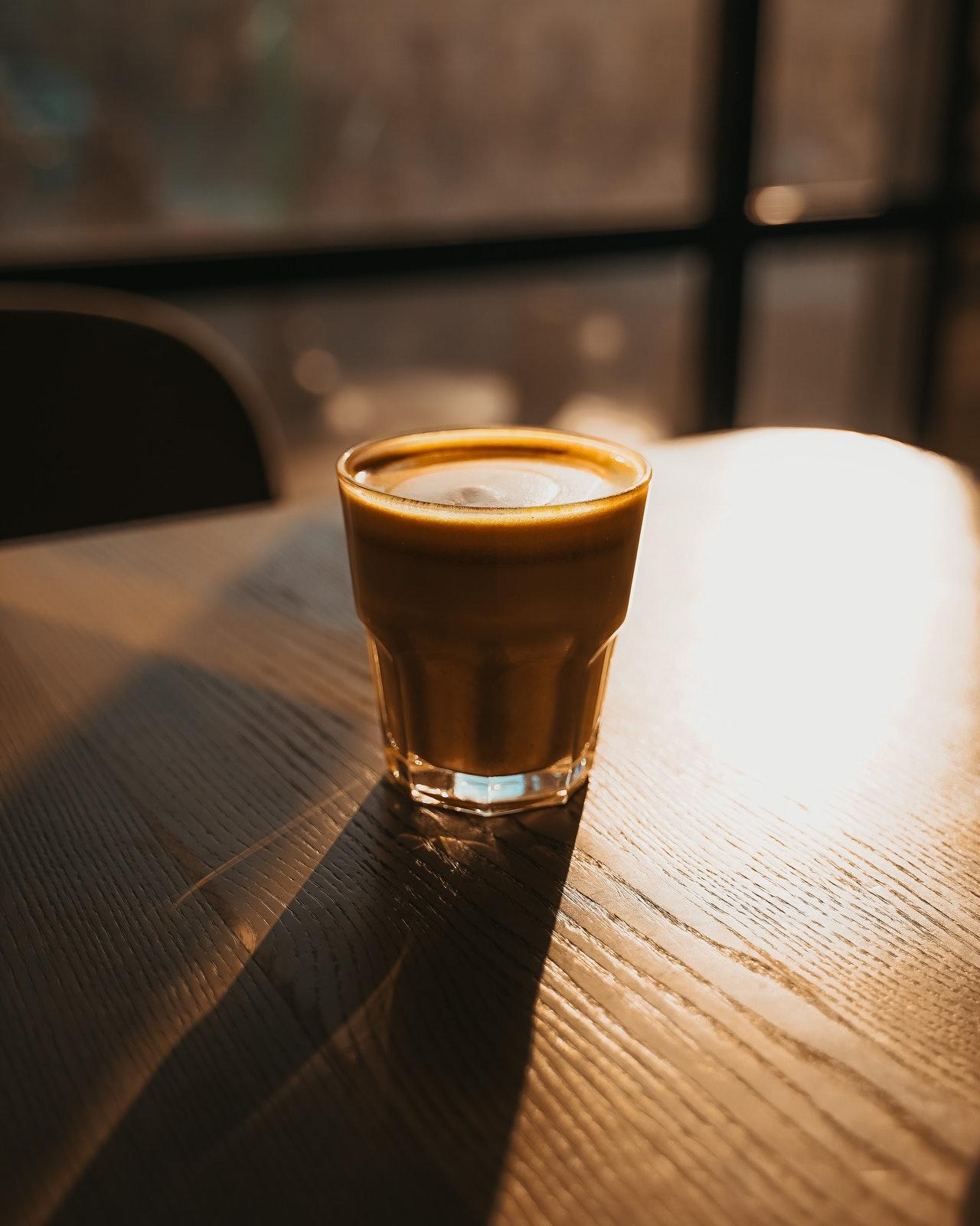 Mit einer WMF Kaffeemaschine bereitest Du schnell und einfach leckeren Kaffee zu.