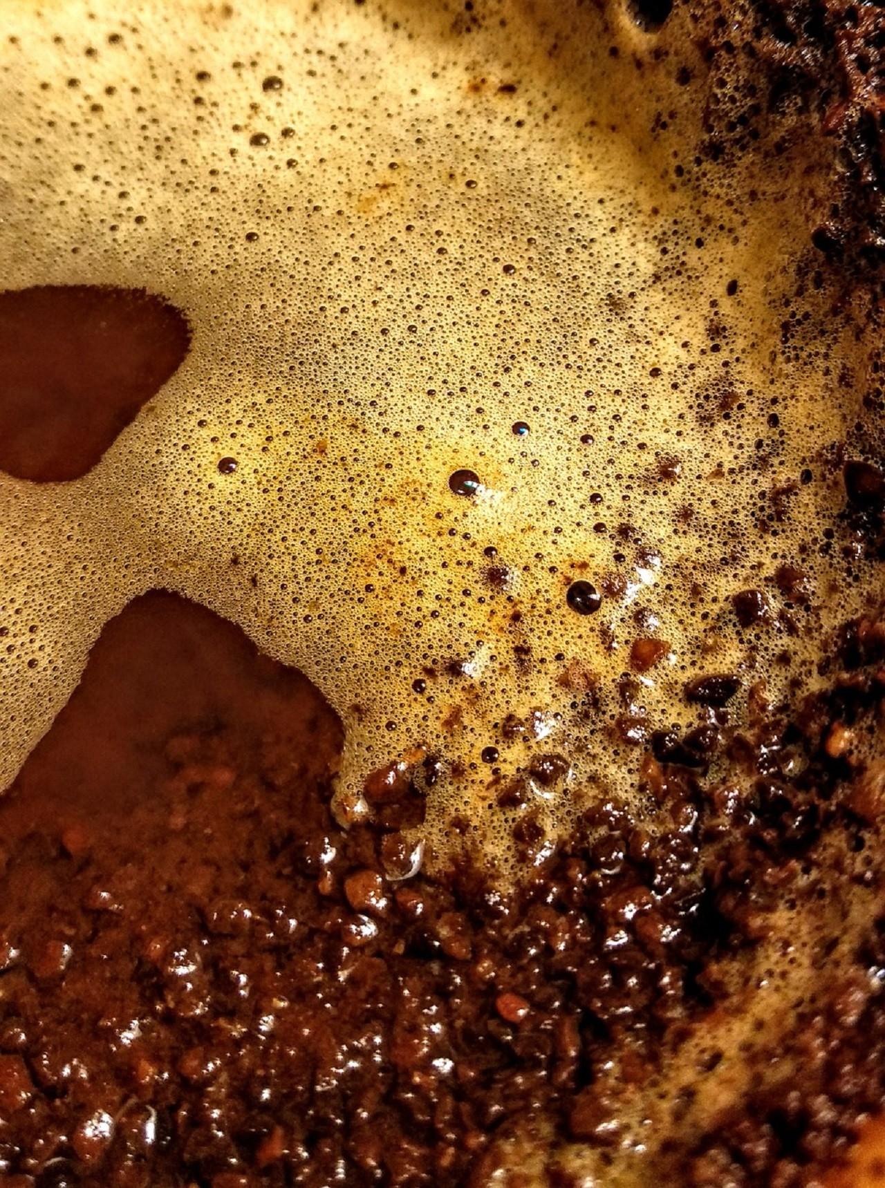 Ein Kaffeesatz Abklopfbehälter eignet sich ideal um Kaffeesatz zu trocknen und zu sammeln.