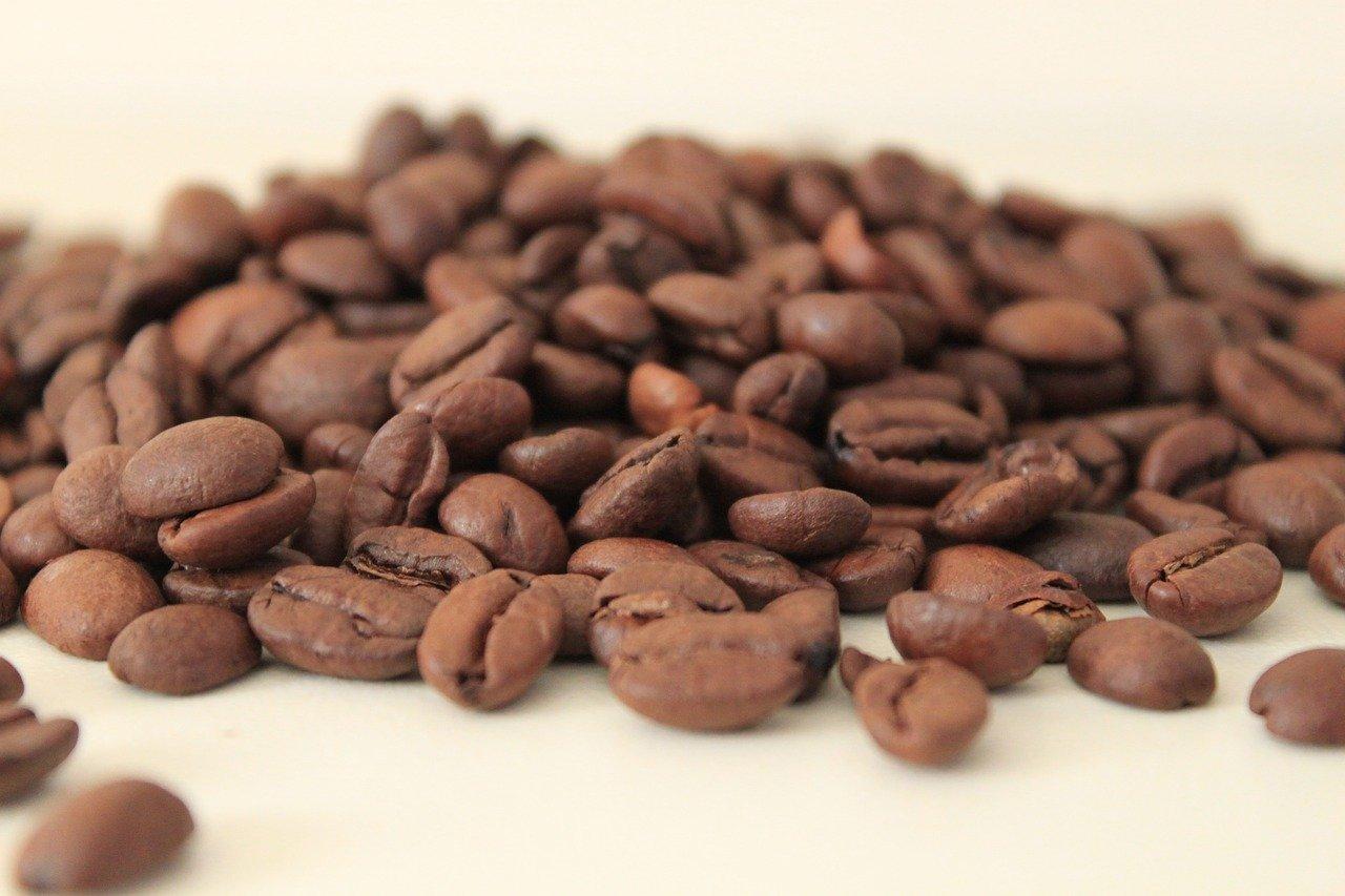 Die beste manuelle Kaffeemühle nützt nichts, wenn Du minderwertige Kaffeebohnen verwendest.