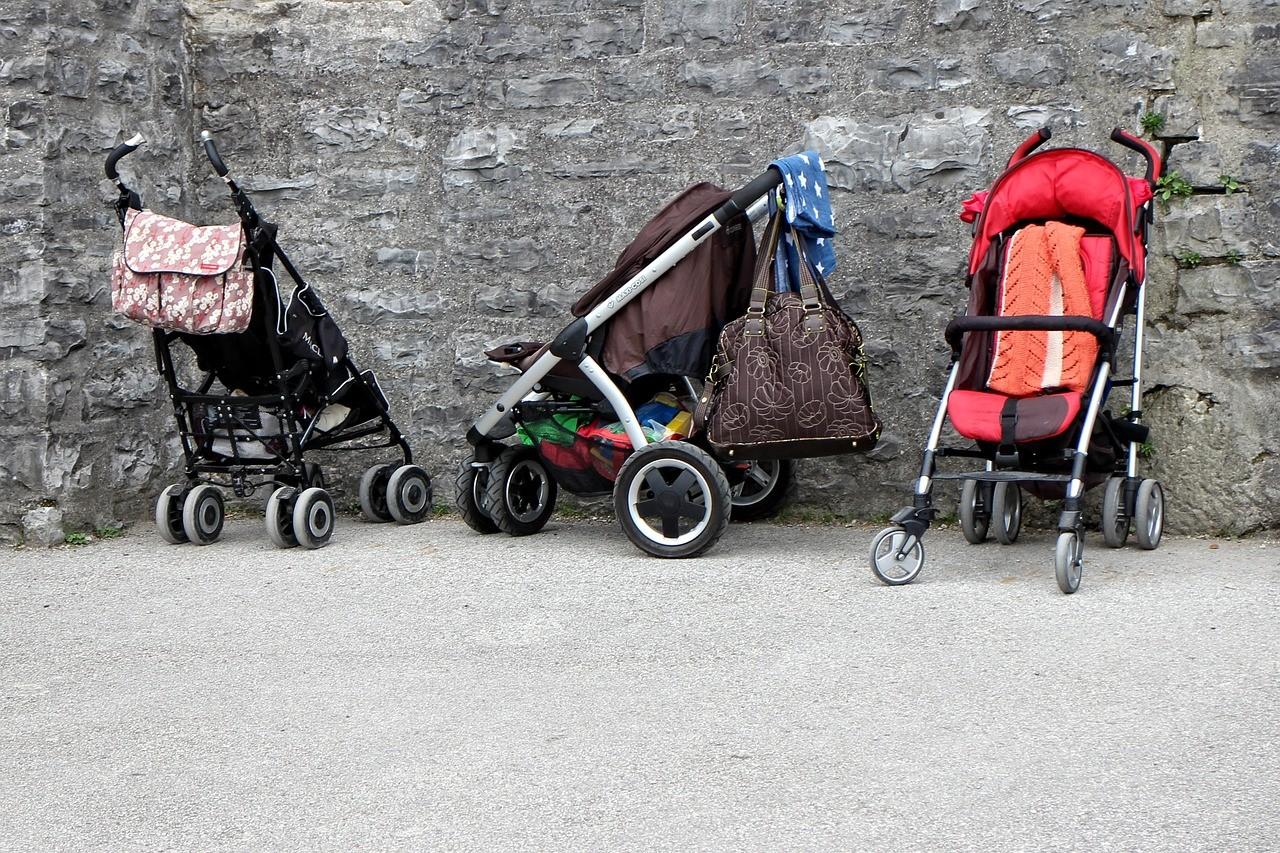 Kinderwagen Organizer gibt es für jeden Kinderwagen. Achte allerdings auf die Größe des Organizers.