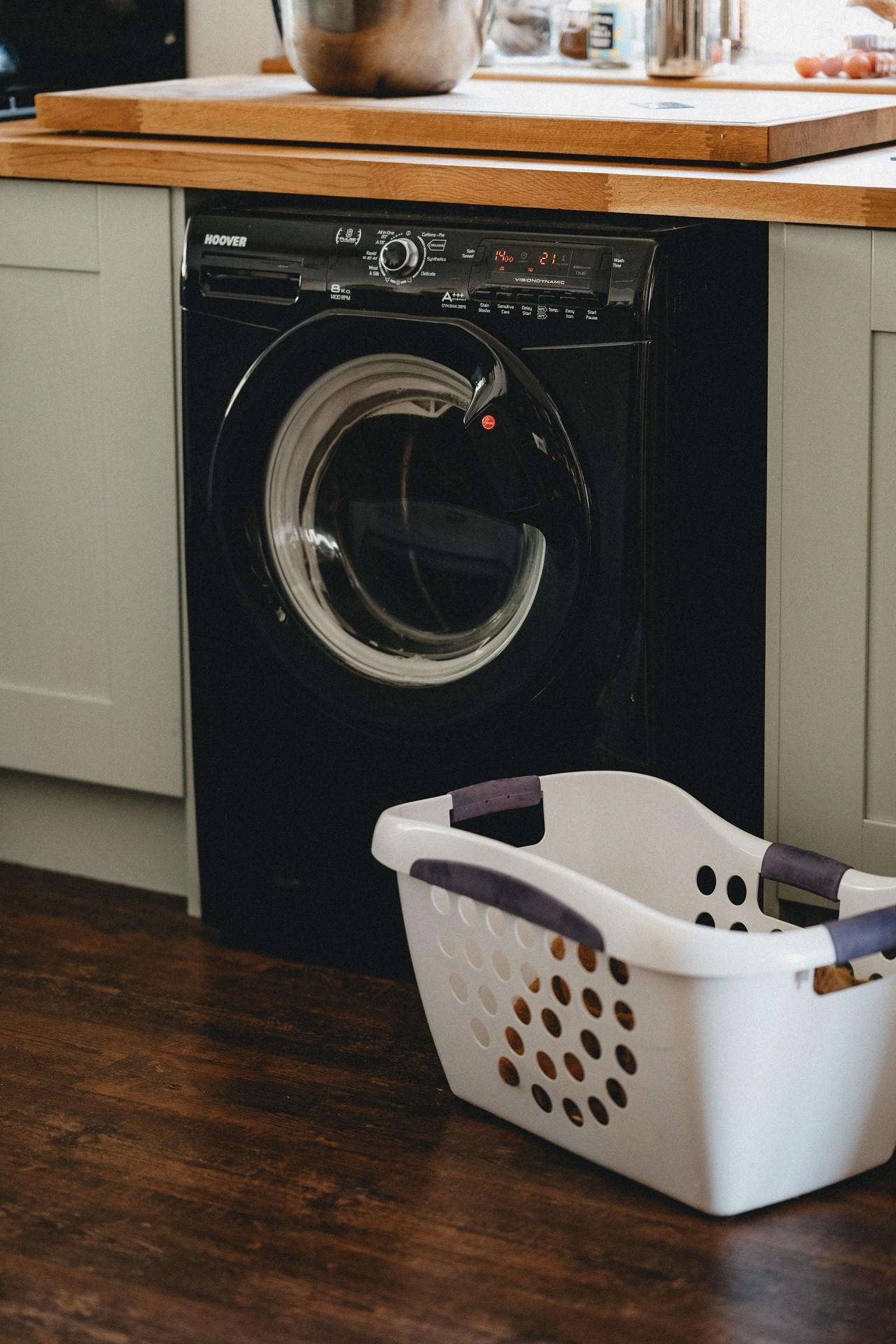 Kunststoff Wäschekörbe gibt es in vielen unterschiedlichen Formen und Farben.