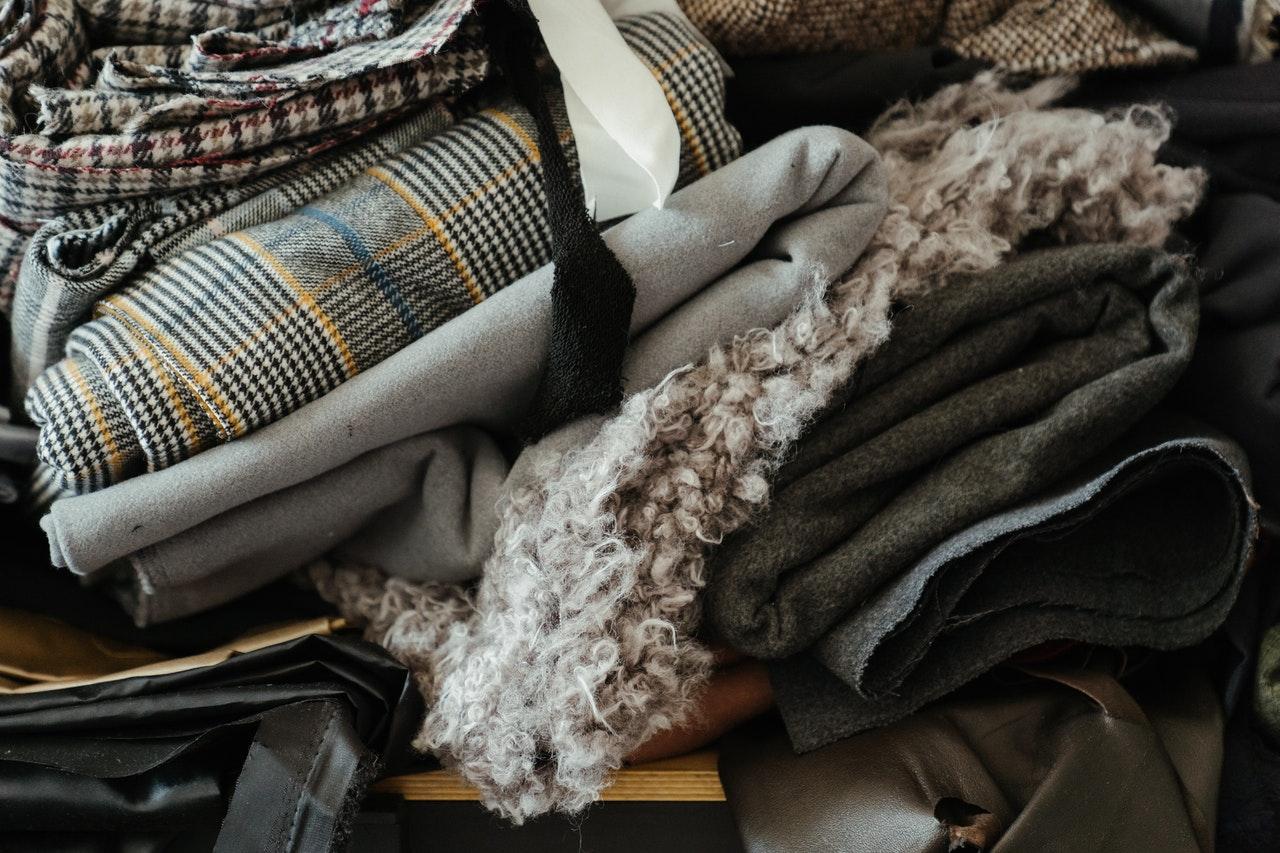 Welche Materialien geklebt werden können, hängt vom jeweiligen Textilkleber ab.